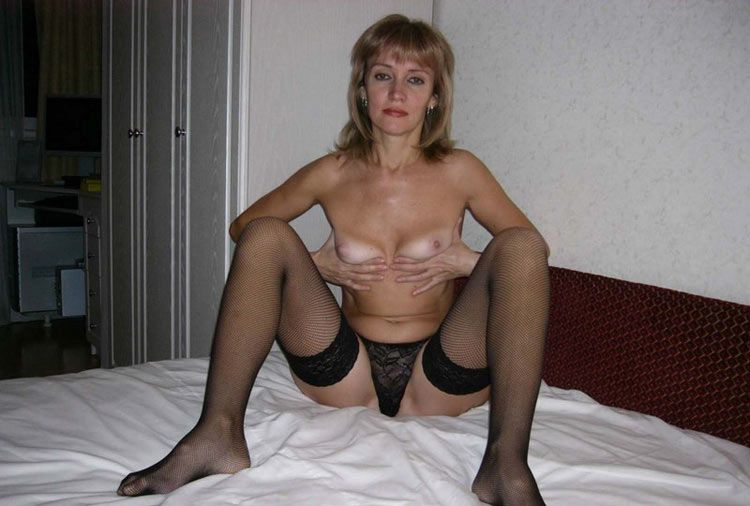 Wow, just look at this beauty, naked milfs with big asses