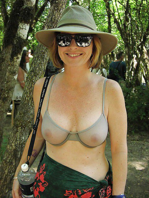 """Let's go exploring, Back in the day, we would have said she was """"stacked!"""""""