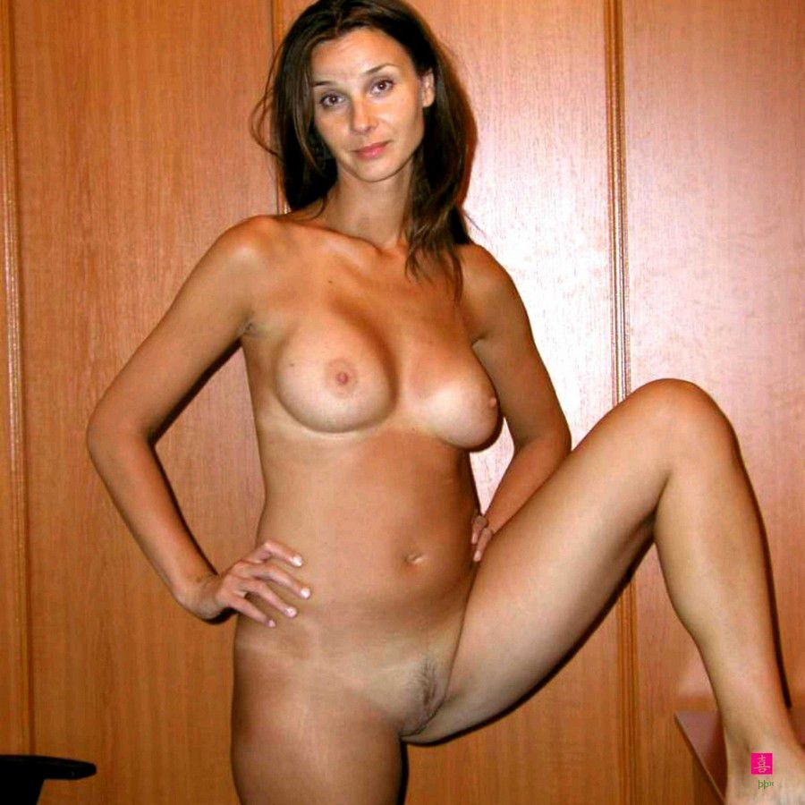 Amazing Mix of 150 Amateurs House Wives and moms