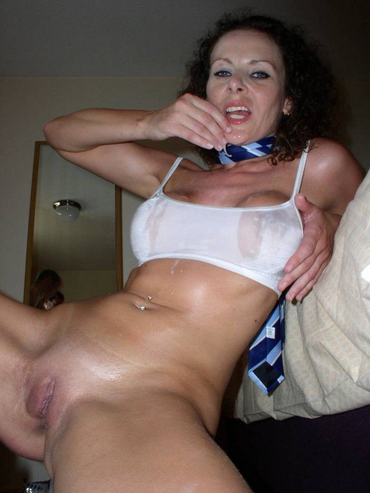 RT if you would like this Liverpool milf to peg you with her huge strap-on