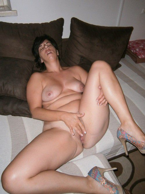 These old ladies love to expose her pussy and tits