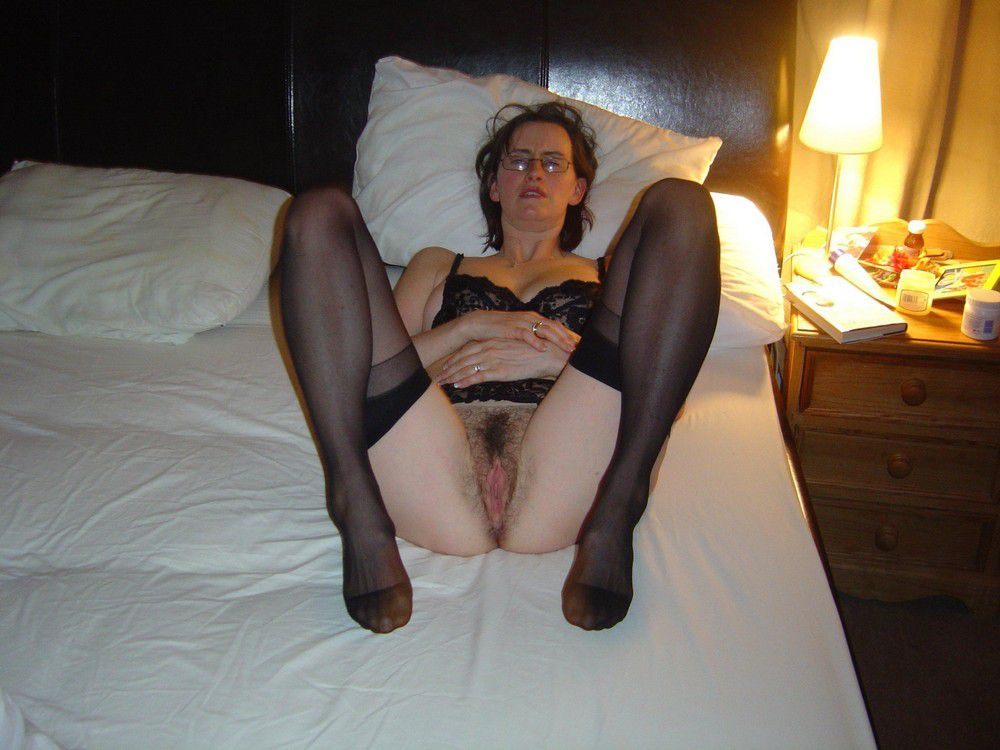 See more on the UK chic mothers without panties