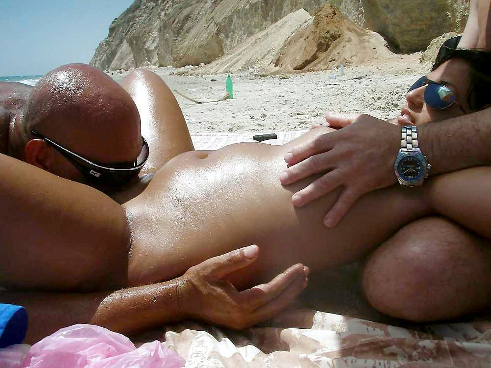 Mature wives doing blowjobs right on the beach