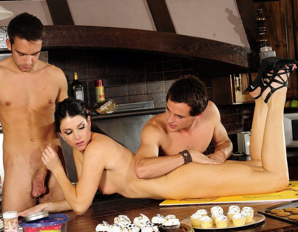 Brunette housewife India Summer takes two dicks