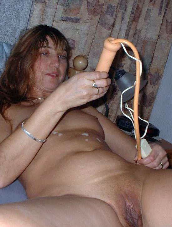 Mixed pics with nude women and some amateur blowjobs