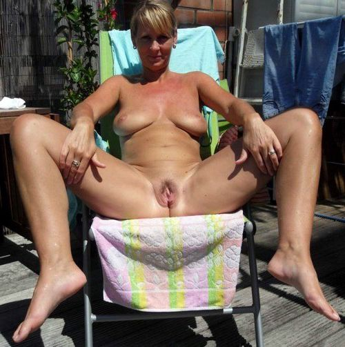 Dissolute moms nude at the rest, erotic pics from vacation