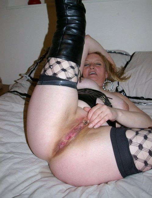 Seductive mature women in sexy stockings and nude twats